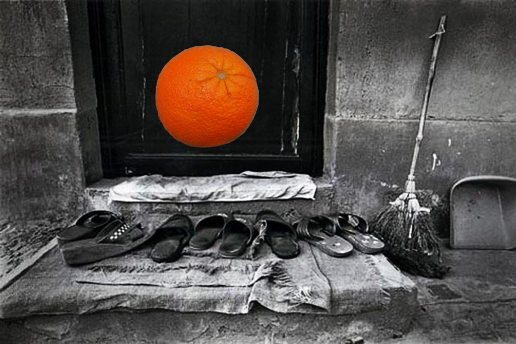 Blaž Janežič Photography Orange 1 taking_off_shoes 3 x