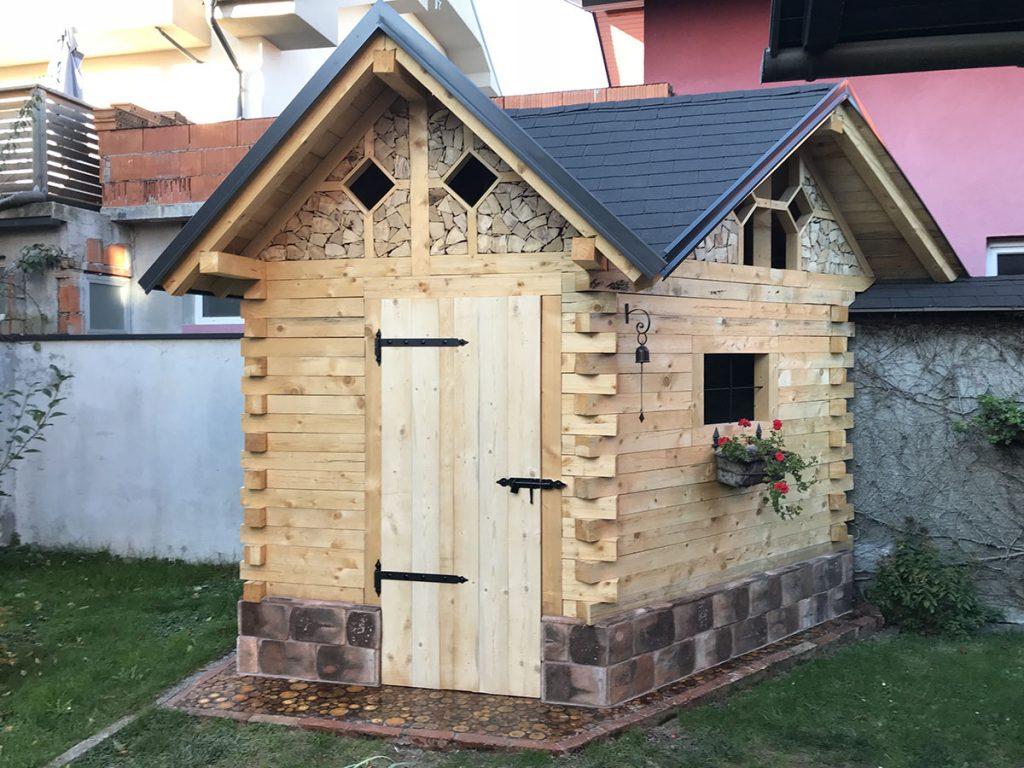 Blaž Janežič Woodwork garden house