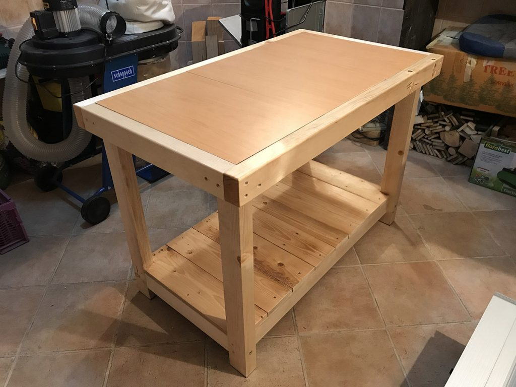 Blaž Janežič Woodwork workbench