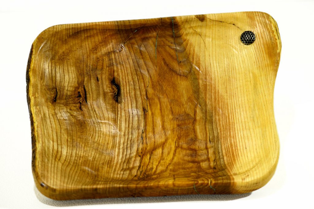 Blaž Janežič Woodwork art Wooden Plate set with hot plate coaster 1c